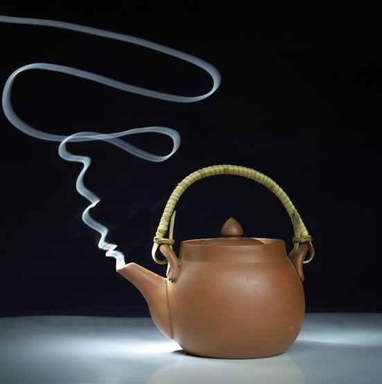 teapot-tea-painting-with-light-smoking-39702.jpeg